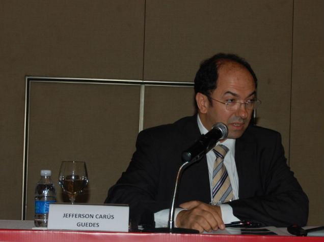 vice-presidente da Área Jurídica da Empresa de Correios e Telégrafos (ECT), Jefferson Carús Guedes