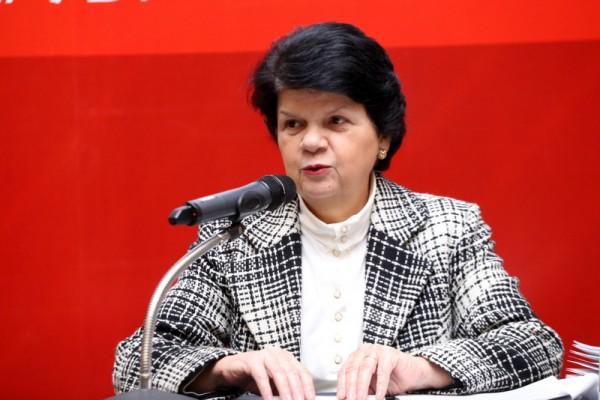 Professora Maria Sylvia aponta falhas na lei 8.666/93