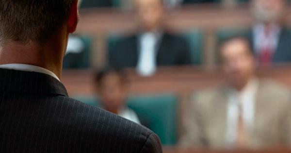 advogado-profissao-menos-confiavel