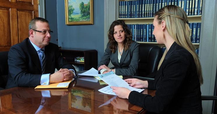profissoes-promissoras-advogados-2015