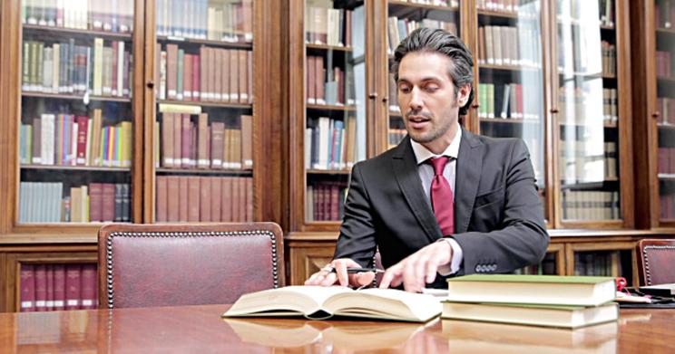 5 livros que todo advogado público deve ter em sua biblioteca